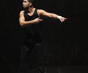 Drake, bae, and rapper image