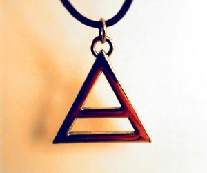 triad image
