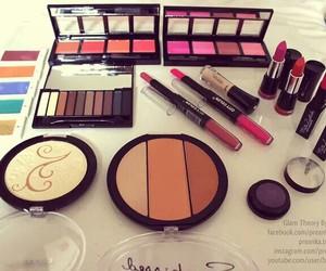 eye shadow, fashion, and lipstick image