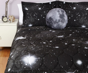 bed and moon image