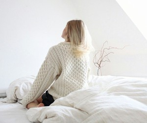bed, girl, and blonde image