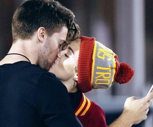 miley cyrus, love, and kiss image