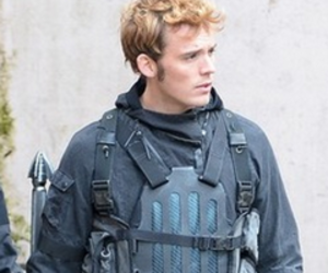 hermoso, sam claflin, and finnick odair image
