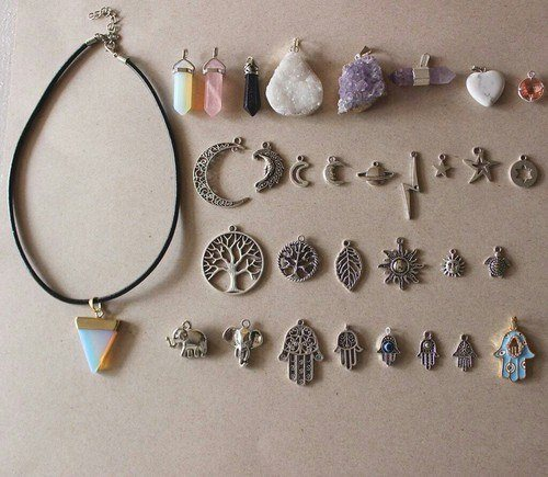 necklace, grunge, and indie image