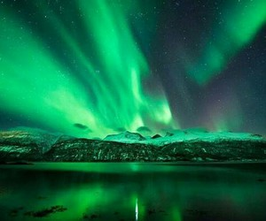 green and aurora borealis image