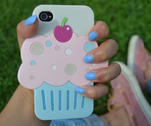 cupcake, iphone, and case image