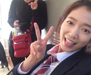 park shin hye and selfies image