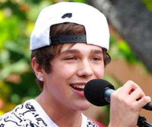 boy, austin mahone, and icon image