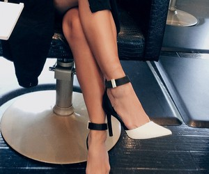 shoes, isitvogue, and heels image