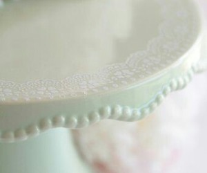 cake stand and pastel image