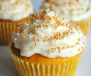 cupcake, frosting, and homemade image