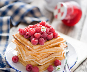 food, breakfast, and raspberry image