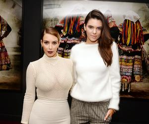 kim kardashian and kendall jenner image