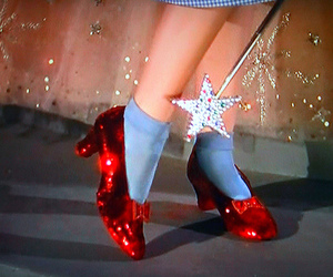 The wizard of OZ, o mágico de oz, and ruby slippers image