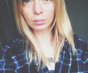 blond, fall, and flanell image