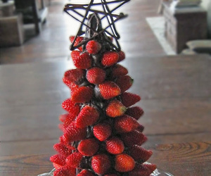 strawberry, chocolate, and christmas image