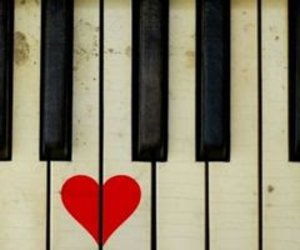 piano heart image