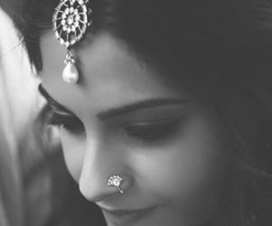 sonam kapoor, bollywood, and indian image