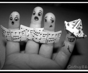 music and fingers image