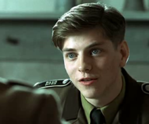 1942, 2004, and actor image