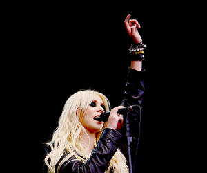 Taylor Momsen, the pretty reckless, and singer image