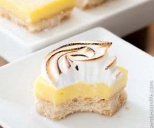 bars, lemon, and curd image