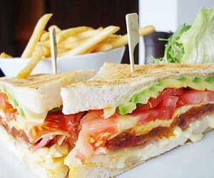 food, sandwich, and tomato image