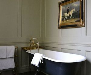 interior, home, and bath image