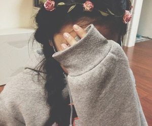 flower crown, hair, and pretty image