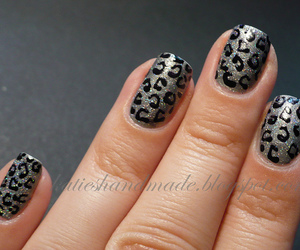 cheetah, essence, and holographic image