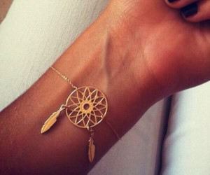 beauty, bracelet, and catchdreamer image