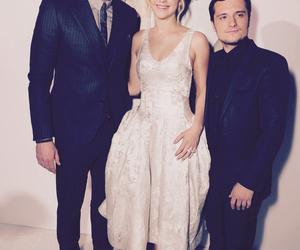 Jennifer Lawrence, josh hutcherson, and mockingjay image