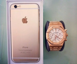iphone and watch image