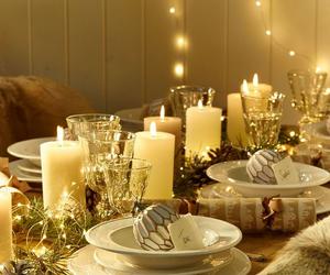 china, christmas decor, and christmas tablescapes image