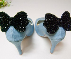 shoes and bow image