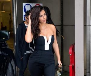 kim kardashian, celebrity, and fashion image