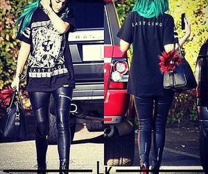 green hair, grunge, and kardashians image