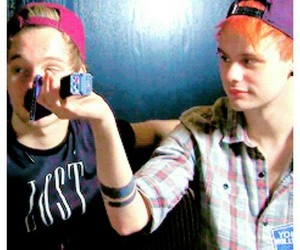 icon and 5sos image