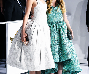 Jennifer Lawrence, willow shields, and mockingjay image