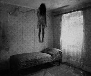 black and white, girl, and creepy image