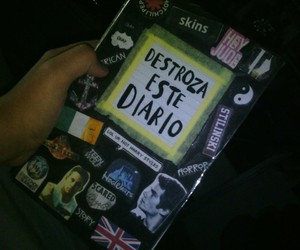 wreck this journal and destroza este diario image