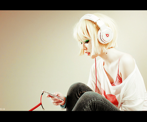 girl, music, and fashion image