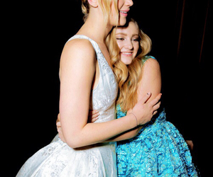 Jennifer Lawrence, willow shields, and prim image