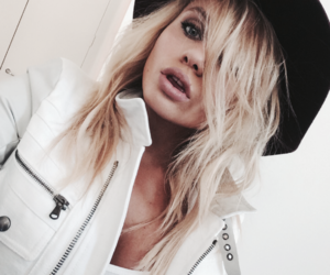 alli simpson and blonde image