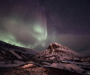 aurora boreal, montains, and nature image