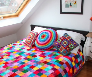 bed and crochet image