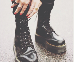 boots, dr martens, and grunge image