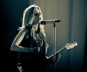 Avril Lavigne and celebrity image