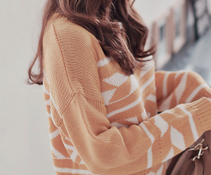autumn, brunette, and chic image