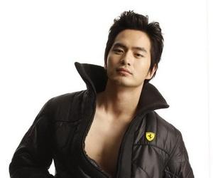 korean actor and lee jin wook image